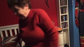 Meh nan doing the floss