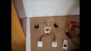 Как подключить проходной переключатель(Управление освещением с двух мест. Сборка схемы подключения проходного выключателя. Статья на эту тему..., 2012-03-12T22:06:04.000Z)