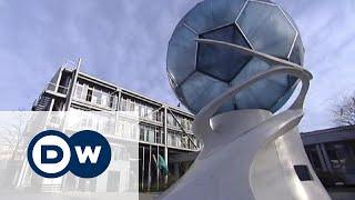 В футбольный скандал замешана Германия(Немецкое издание Der Spiegel уверяет, что Германия, судя по всему, купила ЧМ-2006 по футболу. Как предполагается,..., 2015-10-17T15:18:08.000Z)