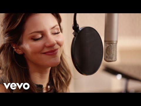 Katharine McPhee - Lick My Lips (Acoustic Performance)