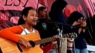 Akad vocal Rias Rahma Putri