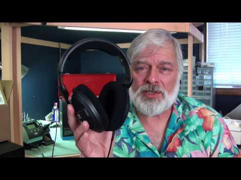Sennheiser HD569 Over Ear Sealed Headphones