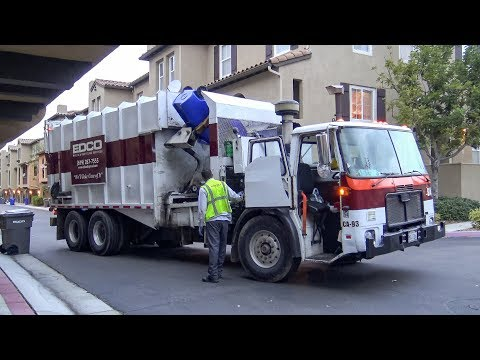 Autocar WXLL - CWS Industries Manual Side Load Garbage Truck