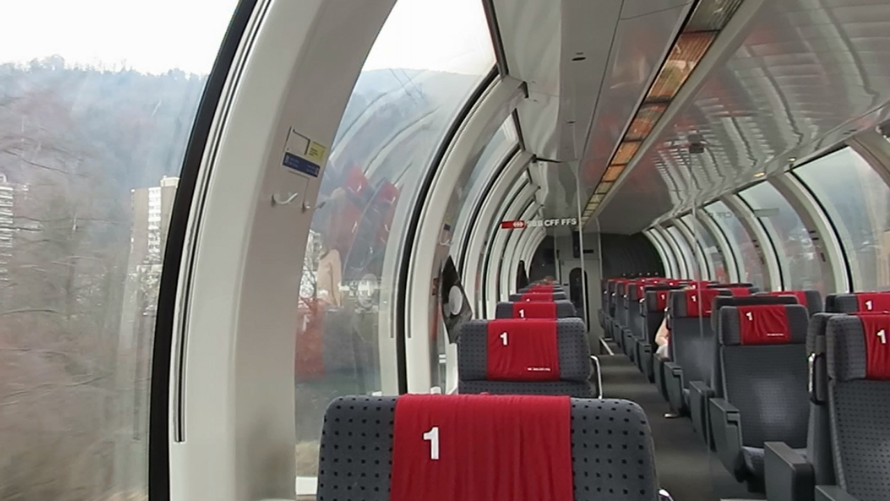 Switzerland: SBB, Riding onboard a 1st Class Swiss panoramic coach