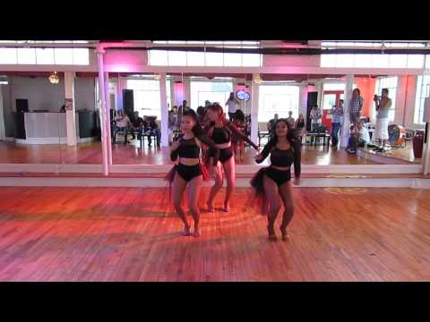 Salsa On2 - Ladies Styling Performance - The O.M.G. (Other Mambo Girls)