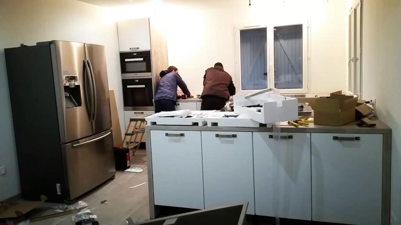 Pose d 39 une cuisine en timelapse youtube for Pose d une cuisine
