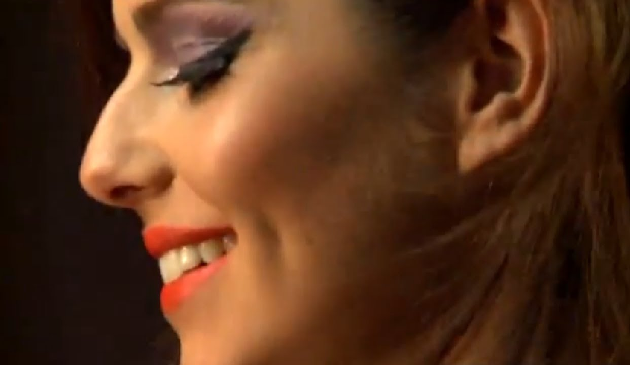 Cheryl cole nose opinion