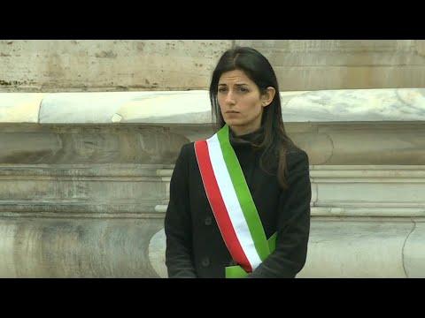 Virus en Italie: minute de silence et drapeaux en berne | AFP Images