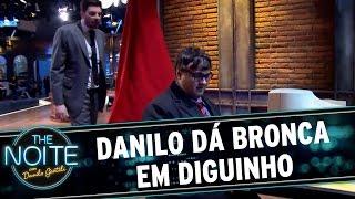 The Noite (26/11/15) - Danilo vê Diguinho jogando e indica os produtos da Game 7