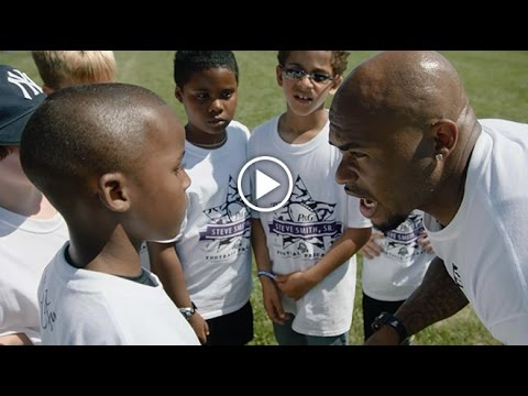 Steve Smith Clowns Around With Military Kids At Camp | Baltimore Ravens