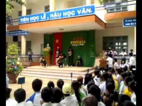 Rills crew Band_Bieu dien tai Truong THPT Nguyen Dinh CHieu