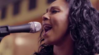 Crystal Starr [DISCOVER LISTEN WATCH DOWNLOAD INDEPENDENT MUSIC RADIO-LIVE ONLINE FREE]