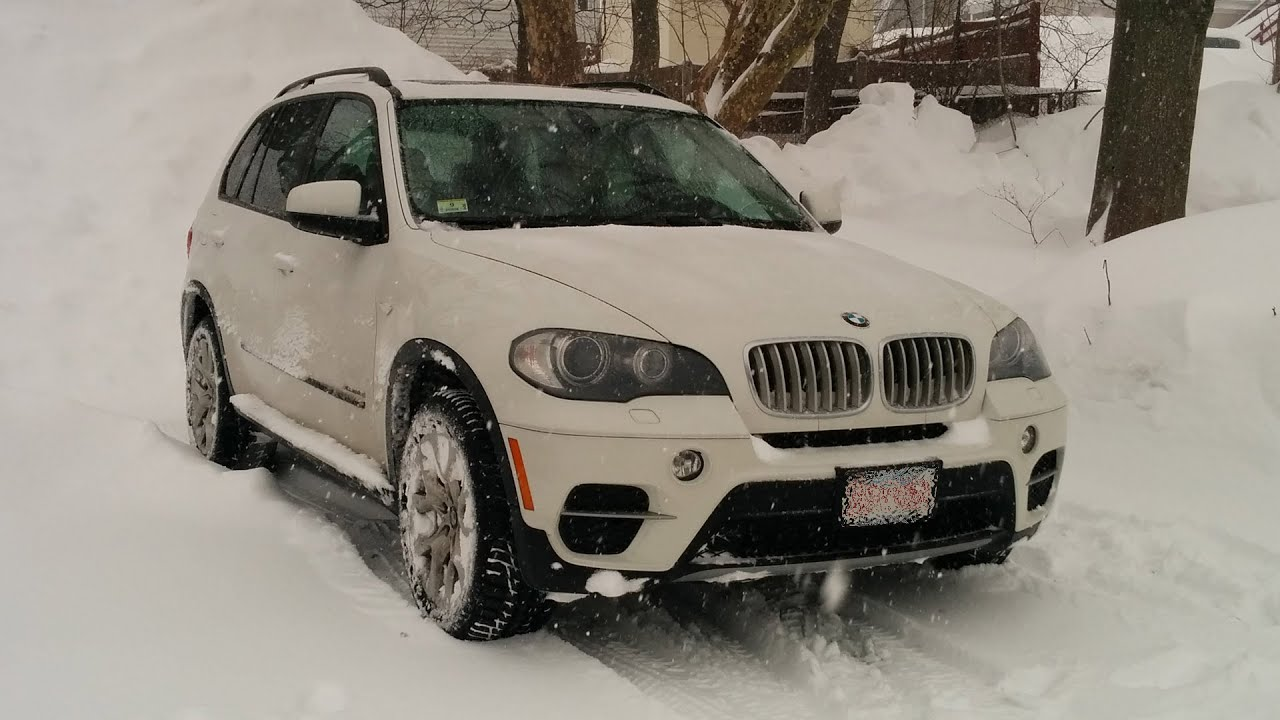 Bmw X5 Diesel Winter Driving During Snow Storm Youtube