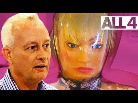 Aussie Girls Kicking Ass Abroad Rossi Talks Vr Sex Toys