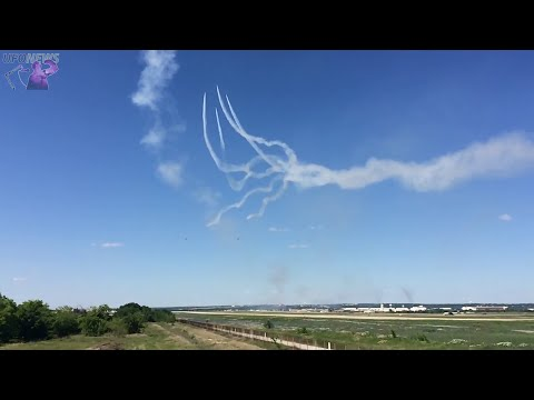 UFO Overtakes Blue Angels At Full Vertical Climb - Fort Worth, Texas