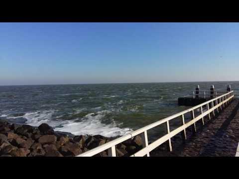 Afsluitdijk. Sun and sea