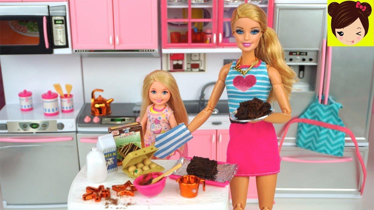 Barbie Y Chelsea Hornean Un Pastel De Verdad Cocina De Juguete