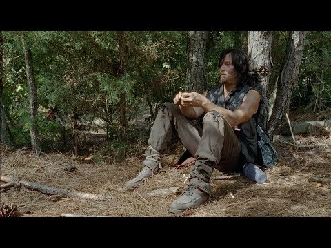 TWD S5E10 - Daryl Grieves Over Beth's Death