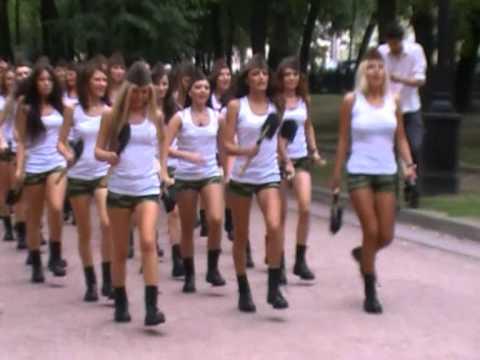порно крупно в девки форме фото военной