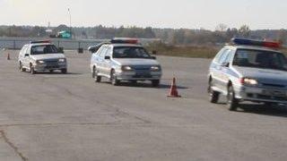 В Новосибирске военные ЦВО осваивают экстремальное вождение