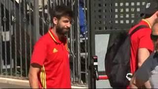 Тренировка сборной Испании по футболу в Аликанте Жерар Пике