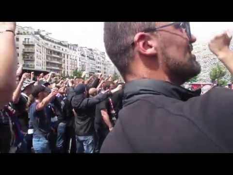 Ultras Psg devant le Parc des Princes pour la présentation de Ben Arfa et Emery