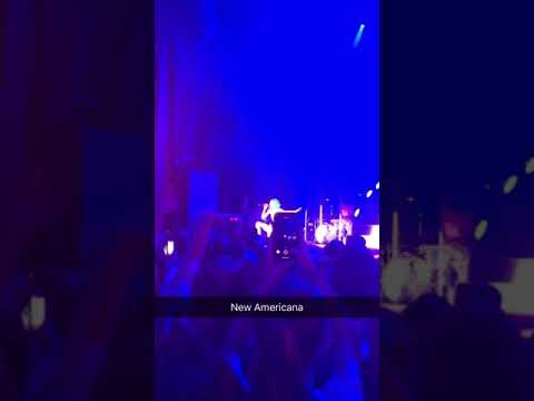 Halsey singing New Americana in Rogers, AR ~ 07/20/2018