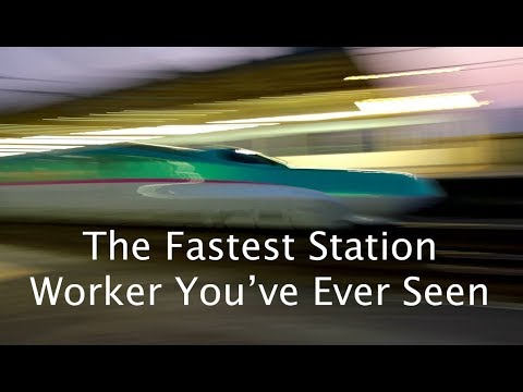 The Fastest Station Worker you've ever seen !!!