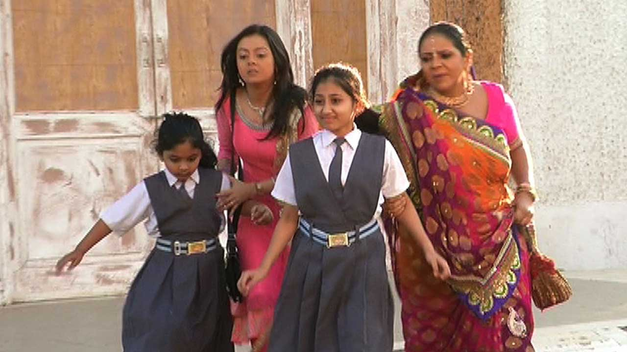Download Gopi And Kokila In Search Of The Kids