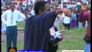 Baixar Flash miracles: Kutino Fernando (RDC) et Dan Daniels (Nigeria) 3