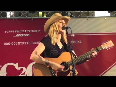 Lisa Redford C2C Country to Country Performance