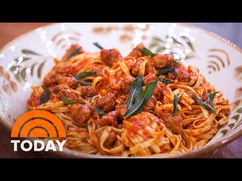 Tagliatelle With Italian Sausage: Hunky Twins Cook Make It 'Twintastic' | TODAY