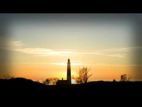2 Hours or relaxing music and Ludington Lighthouse during sunset - Mark Maxwell -- Big Sur