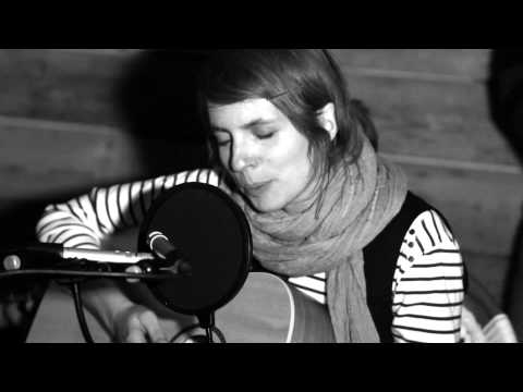Claudine Muno & The Luna Boots - La Violence (Froggy's Session)