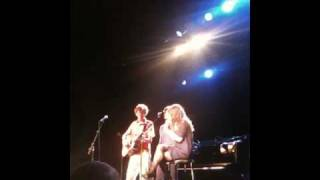 """the Build Up"" Kings Of Convenience Feat Feist"