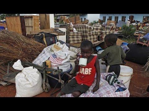 Zimbabwe: Residents build houses encroaching cemetery