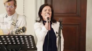 """Musik Taufe """"Mögen Engel dich begleiten""""  gesungen von Danja Bauer aus Wien"""