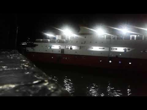 KM.Venevcian & KM.Barcelona Masuk/Berlabu Pelabuhan Manado