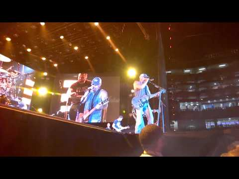 Jason Aldean Kenny Chesney Summer of 69 Cover 5/02/2015 Levi Stadium