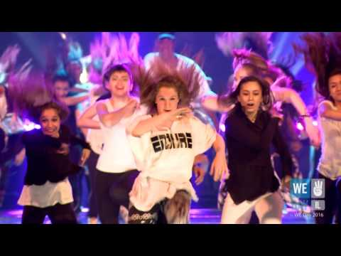 75 youth dancers in WE Day Chicago 2016