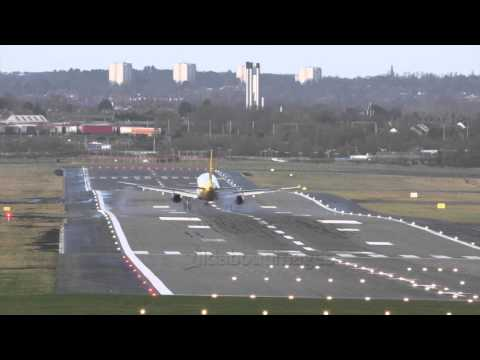 Birmingham Airport strong crosswinds (Jan15)