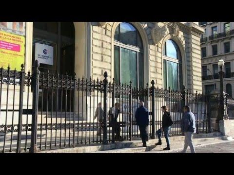 Election: ouverture des bureaux de vote (images à Marseille)