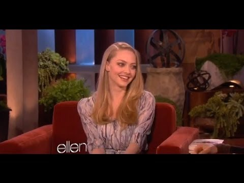 Amanda Seyfried Knits for Ellen