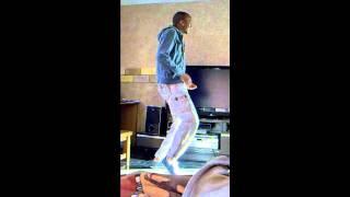 Sme Mhlongo Dancing to DJ Sbu ft. Zahara Mkutukane - Lengoma