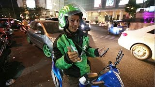 Popular app takes Indonesia's 'ojek' bike taxis online thumbnail