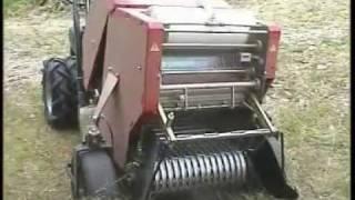 Caeb mini Balenpers voor 2-wielige tractoren
