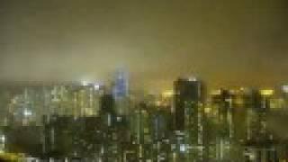 九號風球下的黃昏雨景