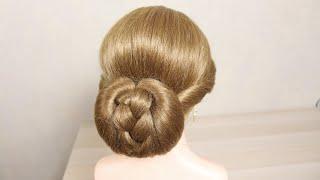 Прическа на средние и длинные волосы Низкий пучок Легкая прическа