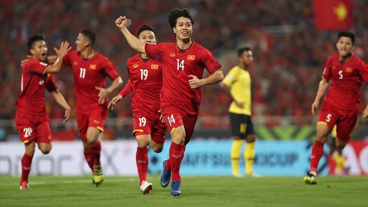 Kết quả hình ảnh cho việt Nam 2-0 Malaysia (AFF Cup 2018, vòng bảng)