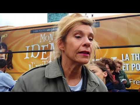 Frigide Barjot : Le bus contre la théorie du genre Place Vendôme. Paris/France - 8 Octobre 2017
